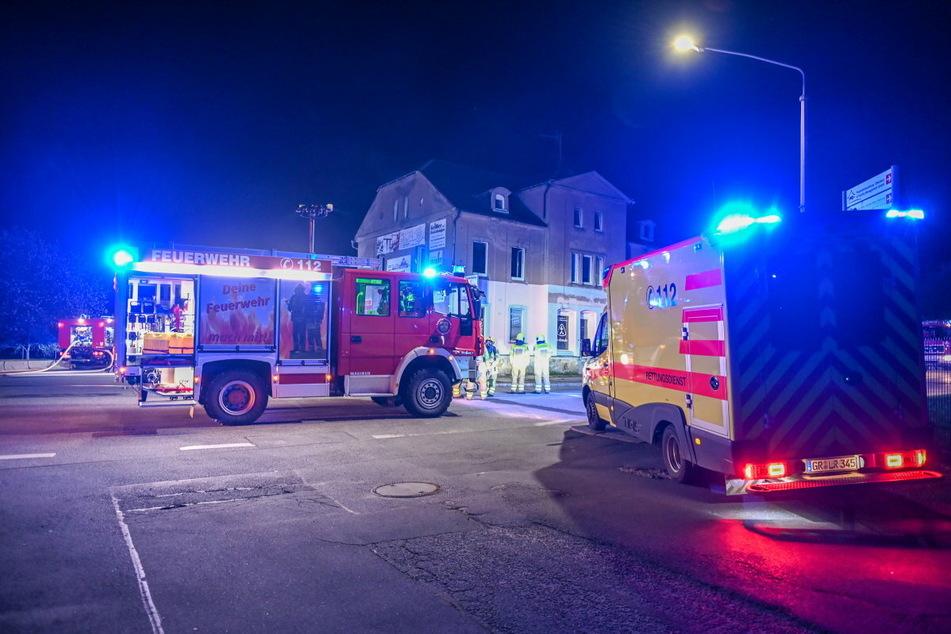 Insgesamt neun Einsatzfahrzeuge der Feuerwehr waren vor Ort.