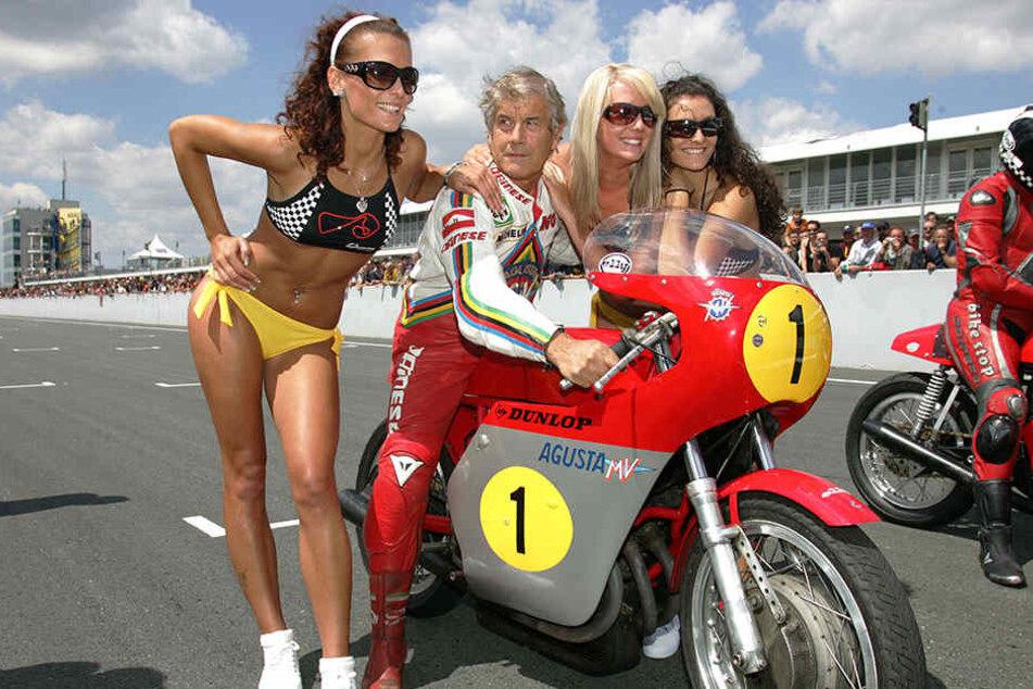 Stargast beim 80-jährigen Sachsenring-Jubiläum war damals der mehrfache Weltmeister Giacomo Agostini aus Italien.