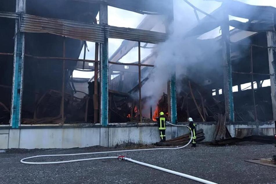 Chemnitz: Erneut Feuer in Oederan: Brand in Lagerhalle