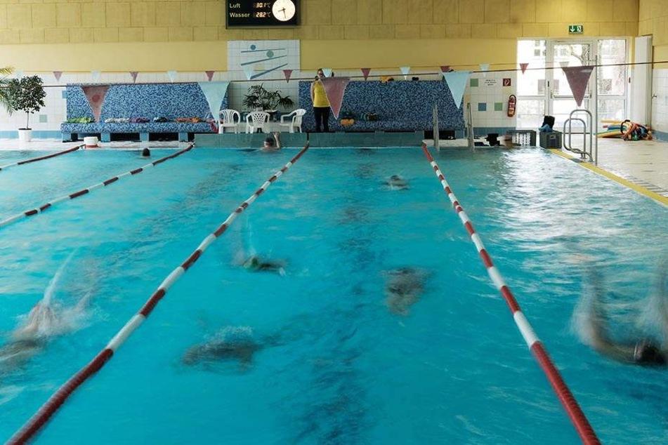 Die Leipziger Schwimmhallen sind voll, der Bedarf ist groß. Mit etwas Glück entstehen in der Messestadt bis 2024 sogar zwei neue Schwimmhallen.