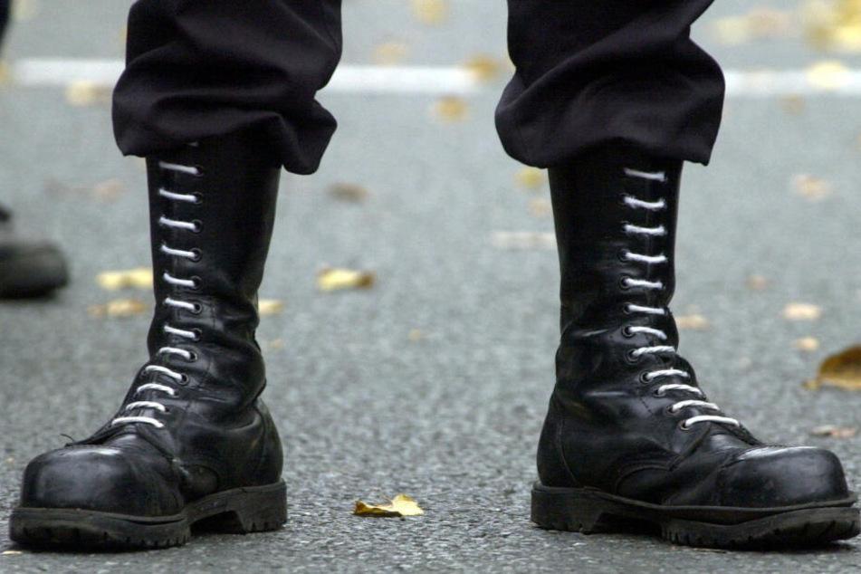 Das Nazi-Symbol wurde von Polizisten entdeckt. (Symbolbild)