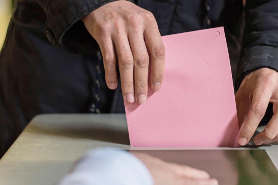 Bei der Kommunalwahl dürfen bisher ausgeschlossene Menschen wählen. (Symbolbild)