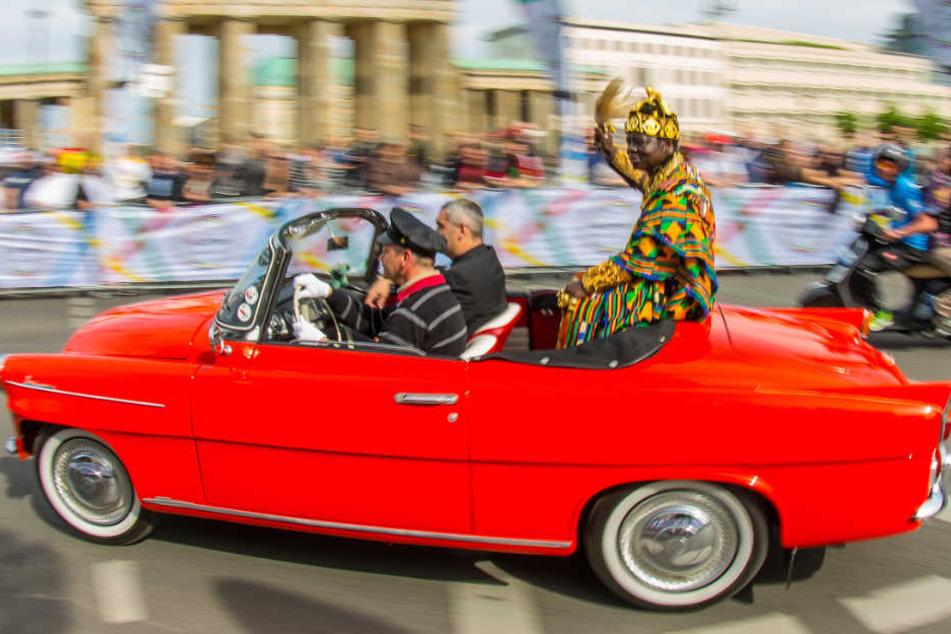 """Der Regent (hier bei der Eröffnung des Radrennens """"World Klapp 2014"""" in Berlin) lebt seit 1970 in Ludwigshafen. (Archivbild)"""