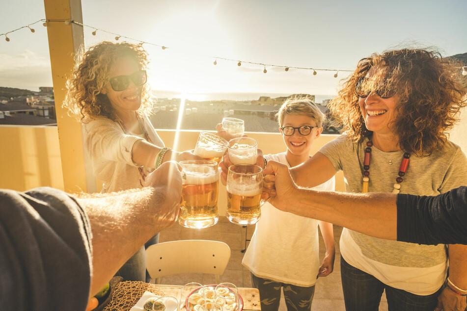 familienratgeber: Dürfen Kinder alkoholfreies Bier trinken?