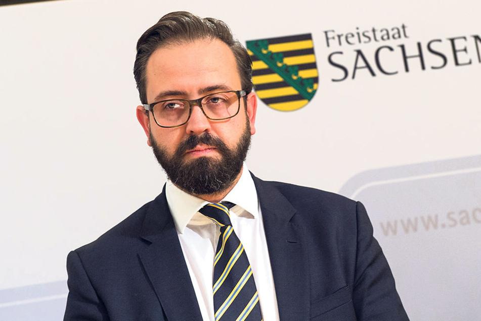 Sebastian Gemkow (38, CDU) ist besorgt.