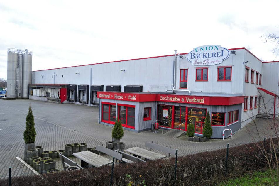 Zwischen der Bäckerei Emil Reimann und Lutz Fleischwaren entsteht das umstrittene Holzheizkraftwerk.