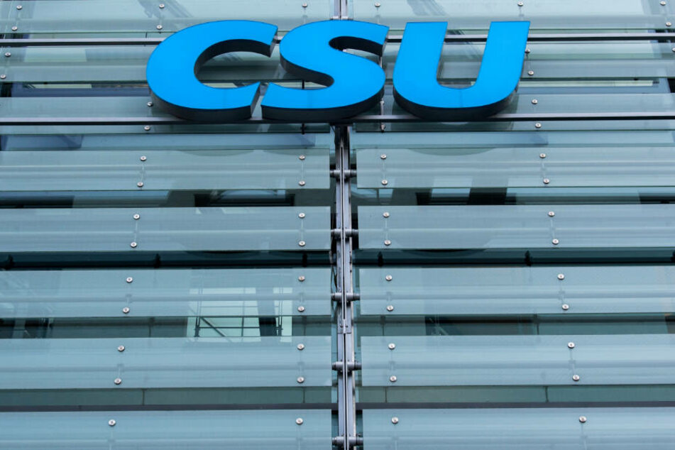 Für die CSU geht's weiter abwärts.