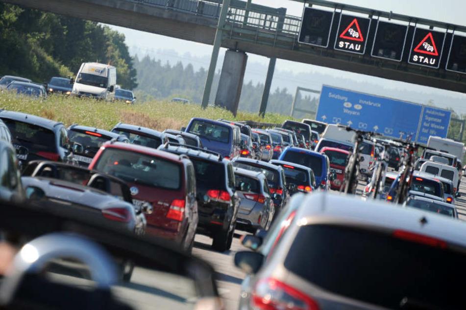 In der Fastenzeit sollen Autofahrer einfach mal ihr Fahrzeug stehen lassen. (Symbolbild)