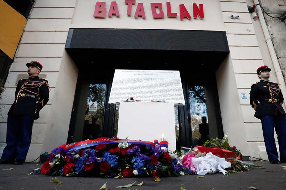 """Extremisten hatten am 13. November 2015 in der Konzerthalle """"Bataclan"""" ein Massaker angerichtet sowie Bars und Restaurants im Osten der Hauptstadt beschossen."""