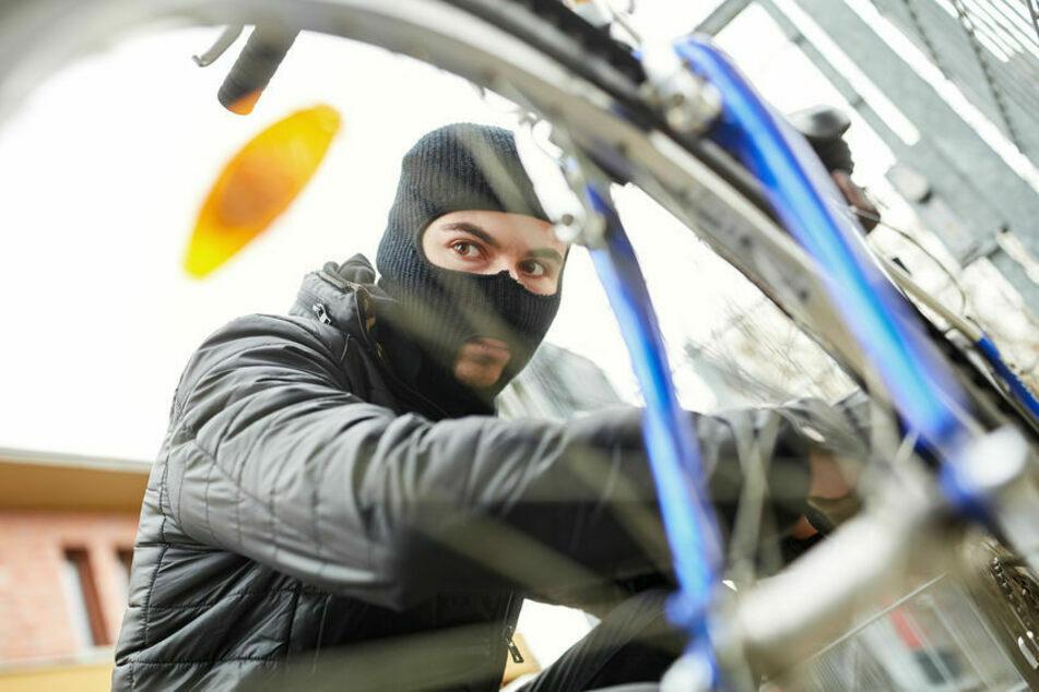 Fahrräder gelangen immer mehr in das Visier von Dieben. (Symbolbild)