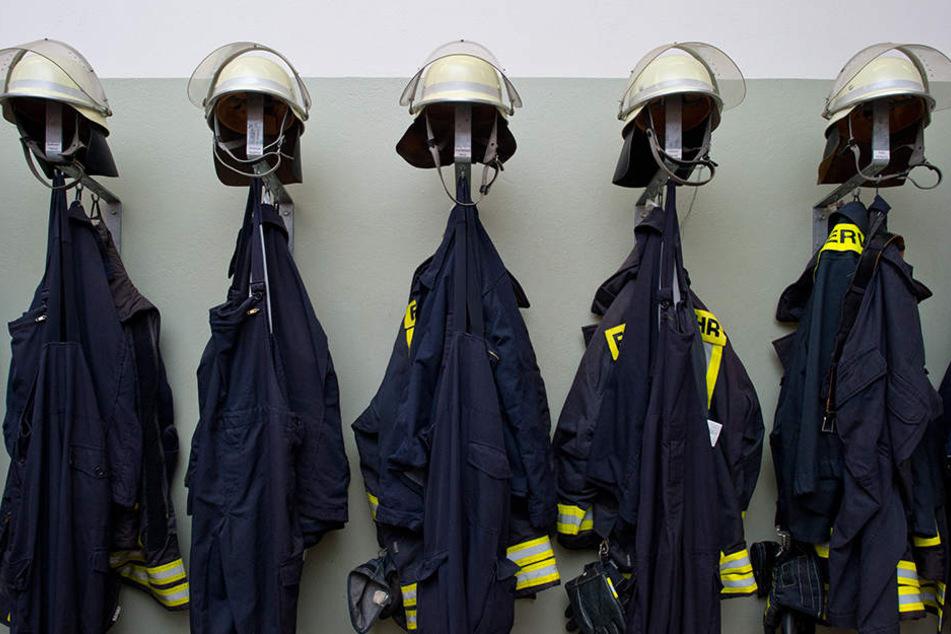 Allein bei Feuerwehr-Uniformen sparte Dresden 300.000 Euro.
