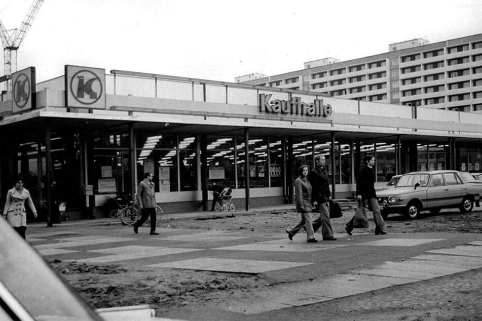 """Die """"Modrow-Kaufhalle"""" im Jahr 1975."""