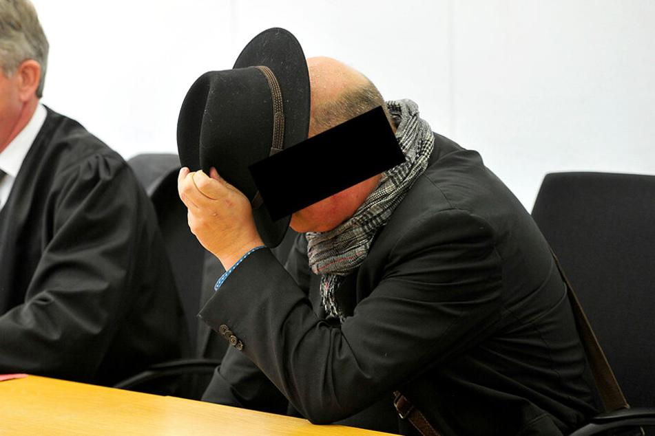Carsten R. (49) musste sich gestern wegen Drogenbesitz und -handel vor dem Chemnitzer Landgericht verantworten.