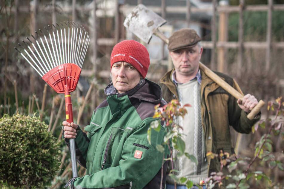 Pächterin Silke Hartig (51) soll ihren Garten in Penig räumen, weil ein Investor auf dem Areal Eigenheime bauen will. Landwirt Enrico Fitzner (46) sieht die Stadt im Unrecht.