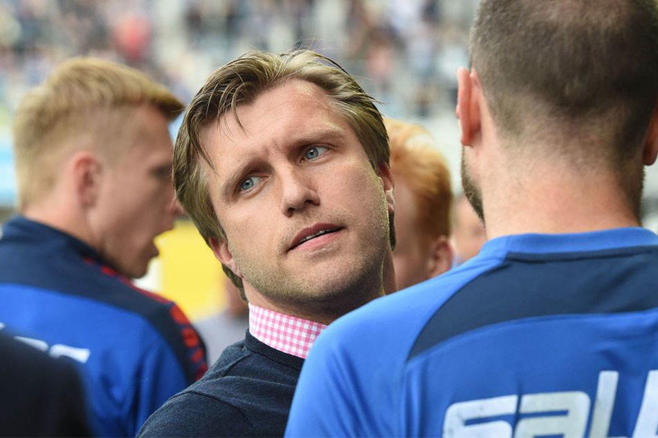 Markus Krösche (36) hat sich am Donnerstag über den Einzug in den DFB-Pokal freuen können.