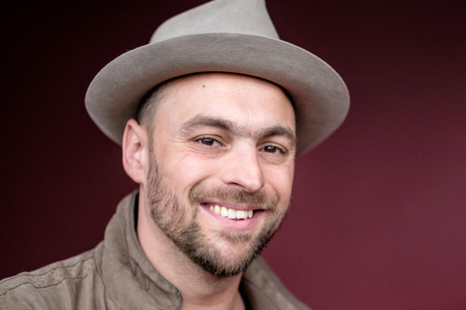 Max Mutzke (38) mag Hüte auf dem Kopf. Er könnte der Astronaut bei Masked Singer sein.