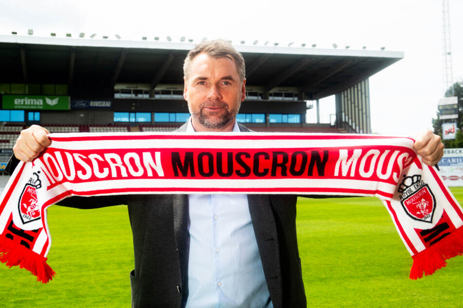 Auch Royal Excel Mouscron, wo der Deutsche Bernd Hollerbach Trainer ist, hat vorläufig keine Lizenz für die kommende Saison erhalten. (Archivbild)