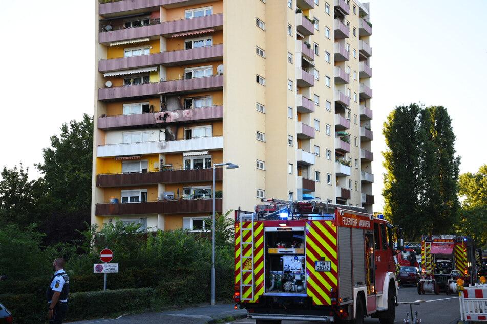 Fünf Menschen verletzt: Feuer bricht in Hochhaus aus