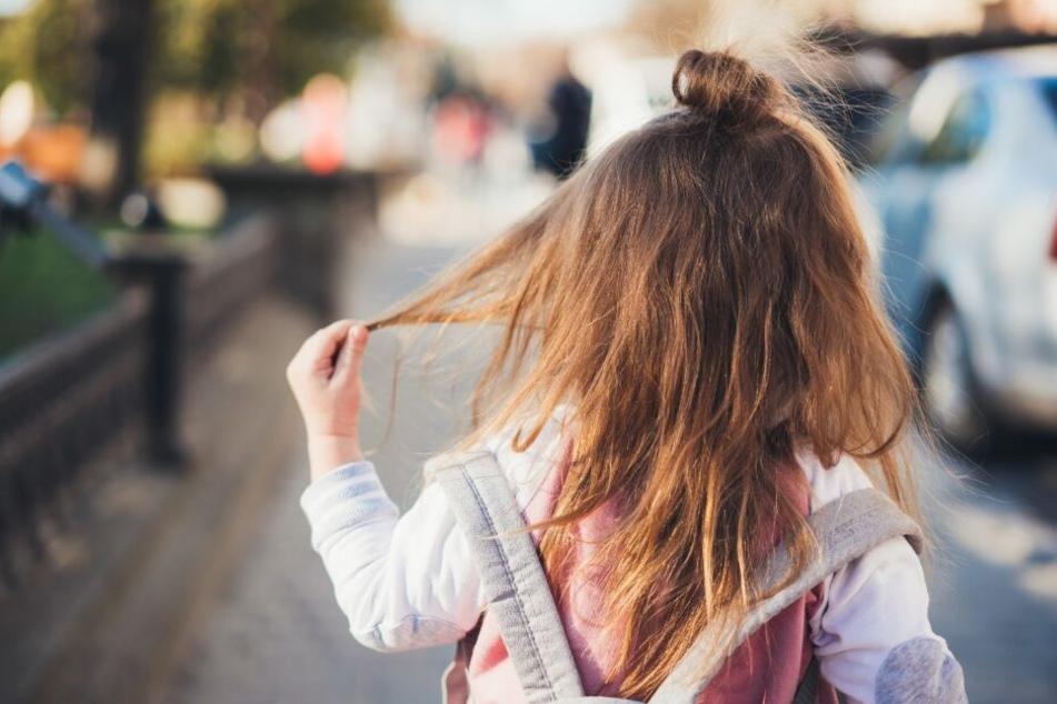 Das Mädchen war einfach auf die Straße gelaufen. (Symbolbild)