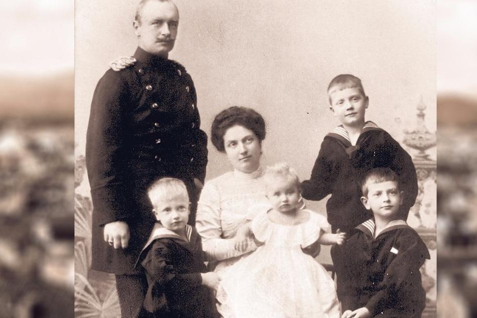 Ein Bild aus glücklichen Tagen: Kronprinz Friedrich August und seine Luise nebst den Kindern Georg, Christian, Ernst und Margarethe.