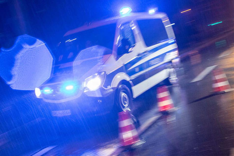 Die Polizei sucht aktuell nach der 35-Jährigen. (Symbolbild)