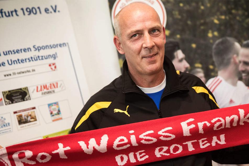 Erst am 12. Oktober wurde Mario Basler als neuer Trainer von Rot-Weiss Frankfurt vorgestellt.