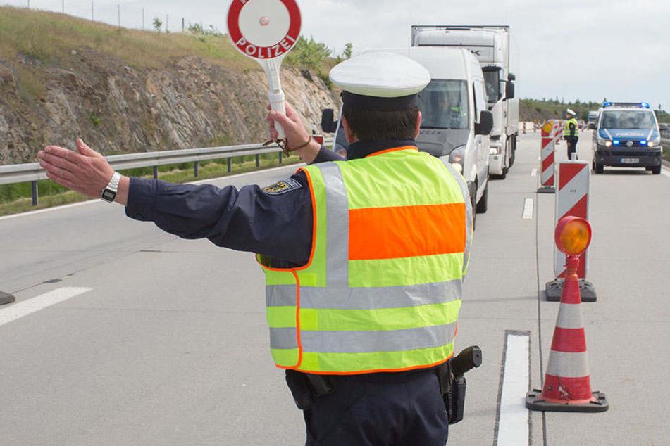 Die Bundespolizei entdeckte bei Kontrollen auf der A17 am vergangenen Wochenende so manches schwarze Schaf.