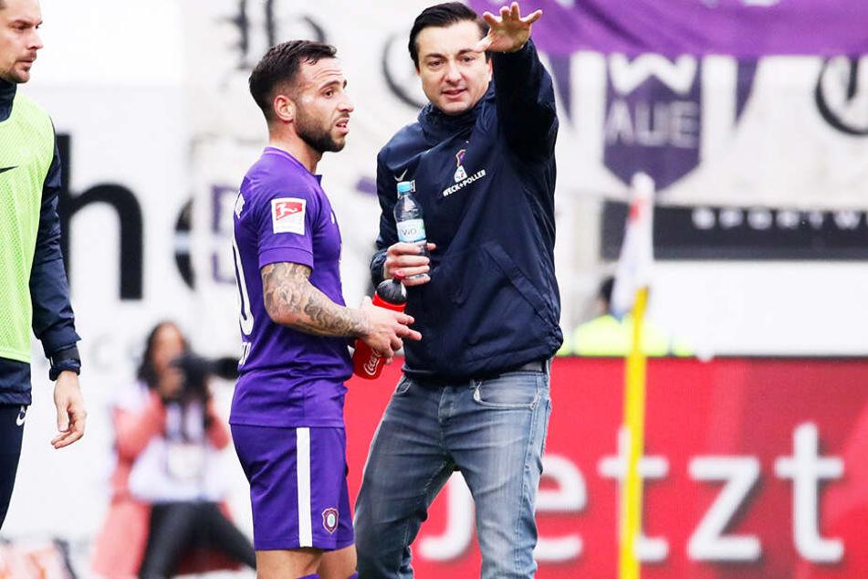 FCE-Trainer Daniel Meyer (r.) und Calogero Rizzuto.