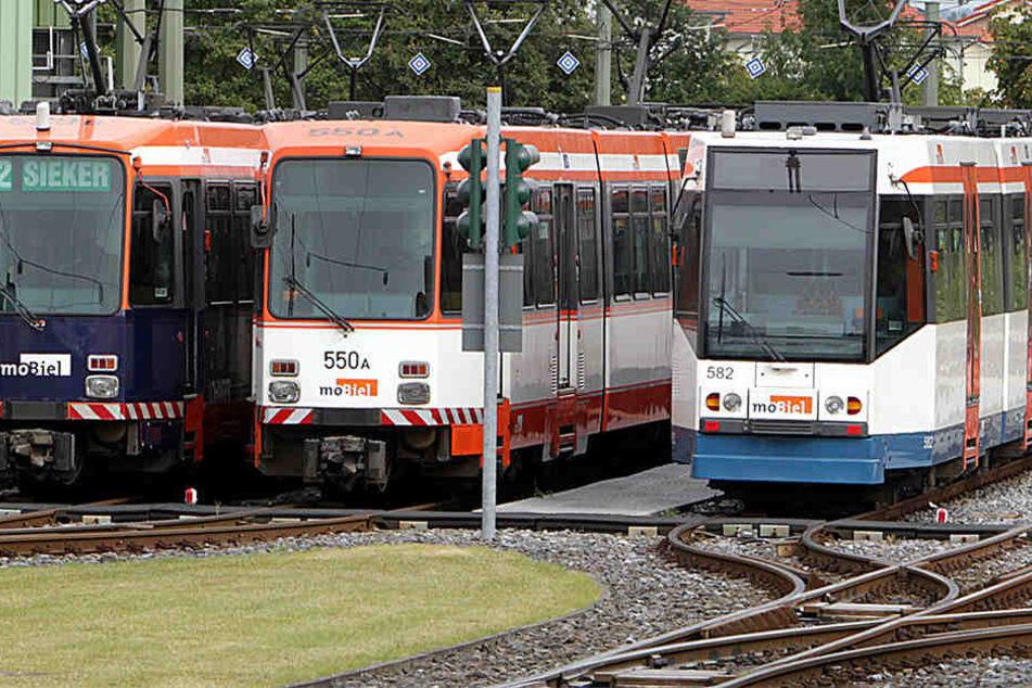 Die Straßenbahn wurde in den Betriebshof nach Sieker zurück gefahren.