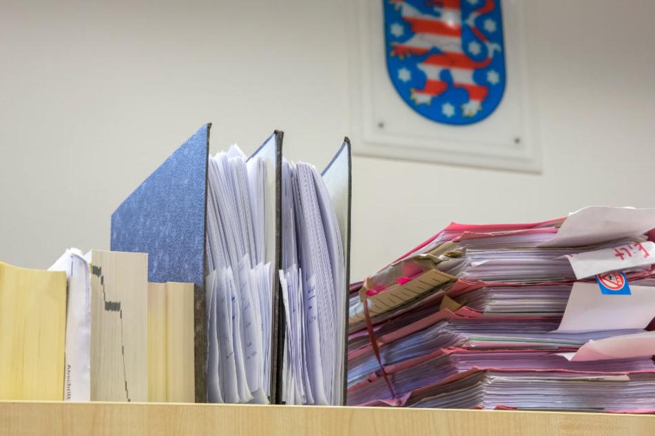 """Am Donnerstag werden in Mühlhausen alle Akten zum """"Kofferbomben""""-Prozess durchgearbeitet sein und das Urteil kann gesprochen werden."""