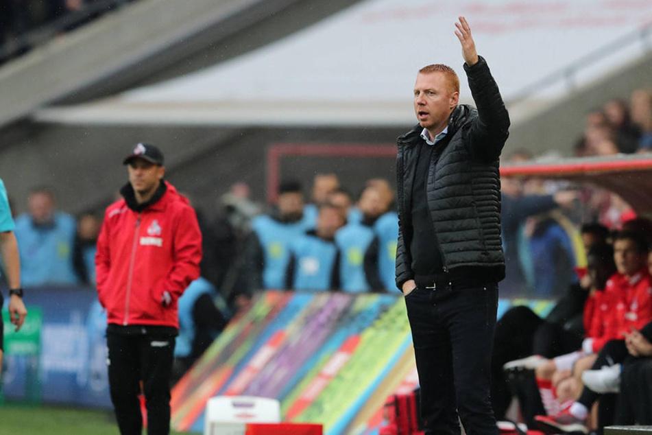 Maik Walpurgis musste in Köln mit ansehen, wie seine Dynamos völlig untergehen - an normales Coaching war da wohl nicht mehr zu denken.