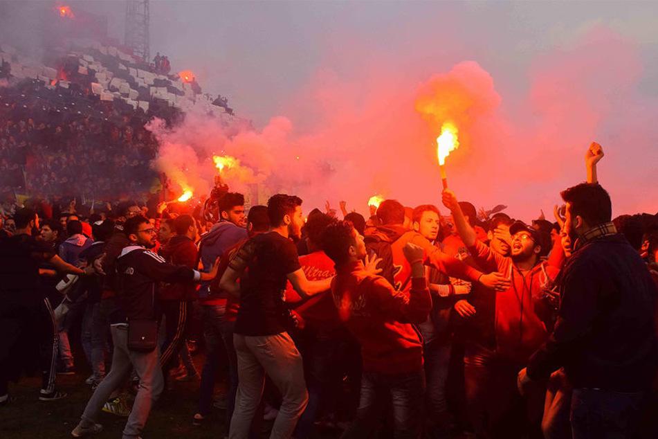 In Indonesien wurde ein Fußballfan zu Tode geprügelt. (Symbolbild)