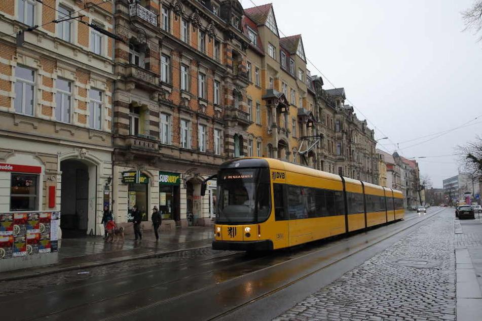 Auch auf der Königsbrücker Straße würden die neuen breiteren Bahnen noch nicht aneinander vorbeifahren können.