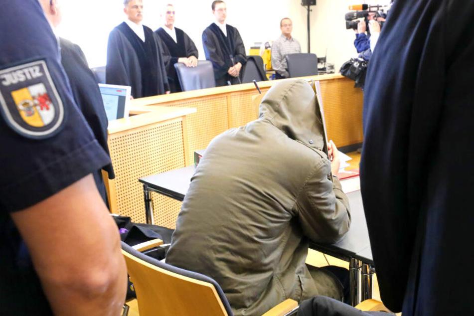 Tod von Leonie (†6): Stiefvater zu lebenslanger Haft verurteilt!