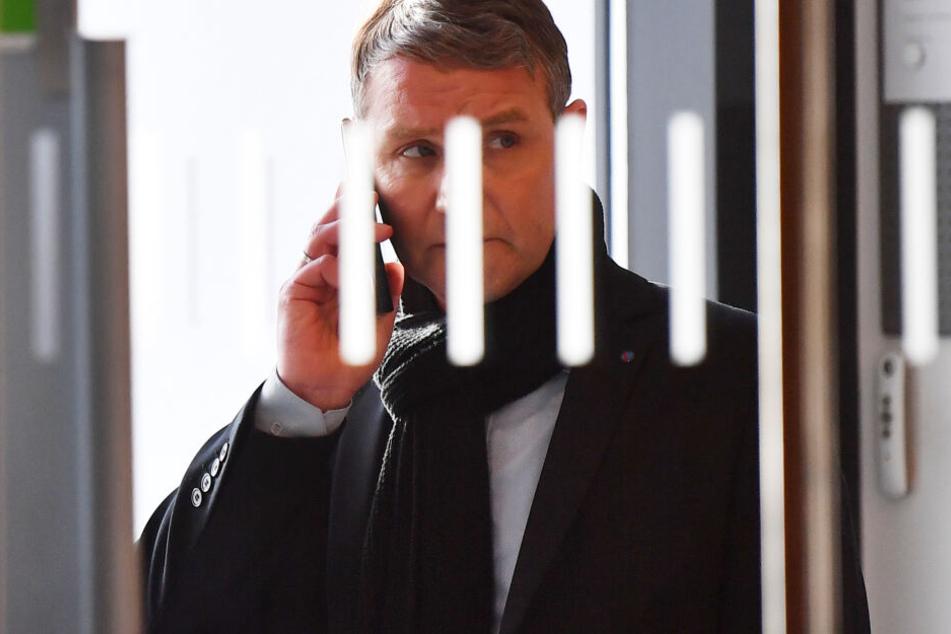 Björn Höcke hatte den Brief von seiner Privatadresse mit in den Landtag gebracht.
