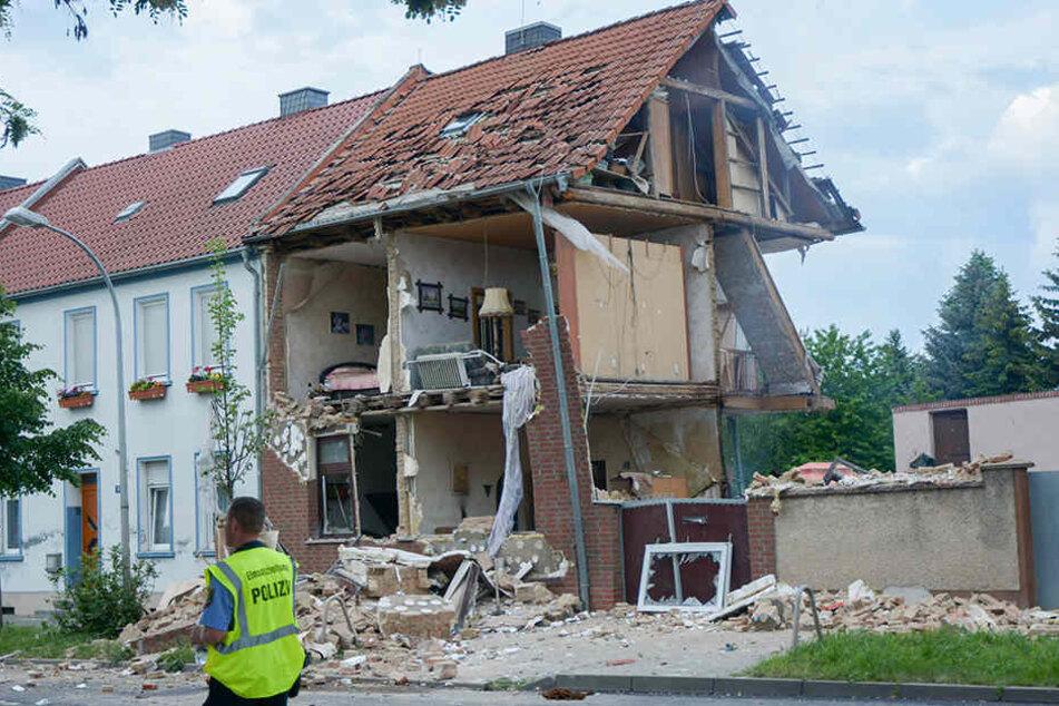 Mann nach Gasexplosion in Wohnhaus gestorben