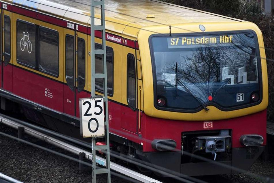 Die S-Bahn arbeitet