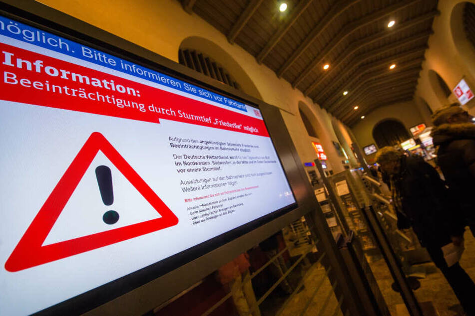 Viele Zugreisende mussten wegen Friederike am Donnerstagabend in Aufenthaltszügen unterkommen.