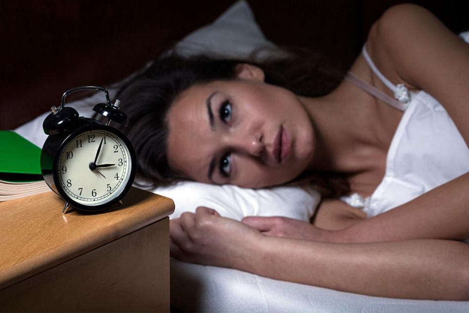Bis spät in die Nacht liegen manche Menschen wach. Das Problem nimmt immer mehr zu in NRW.