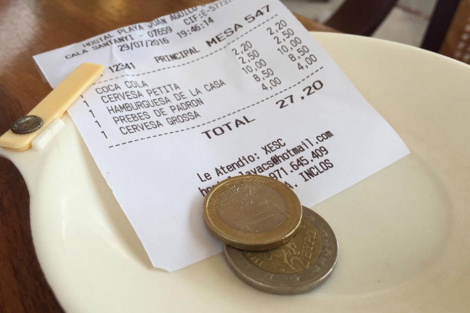 Die Methode eines Users Trinkgeld zu geben, sorgte im Netz für einen Shitstorm. (Symbolbild)