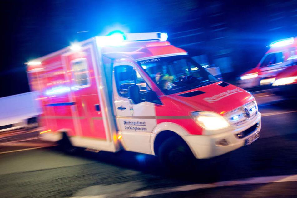 Die zwei Schwerverletzten wurden in eine Klink gebracht. (Symbolbild)