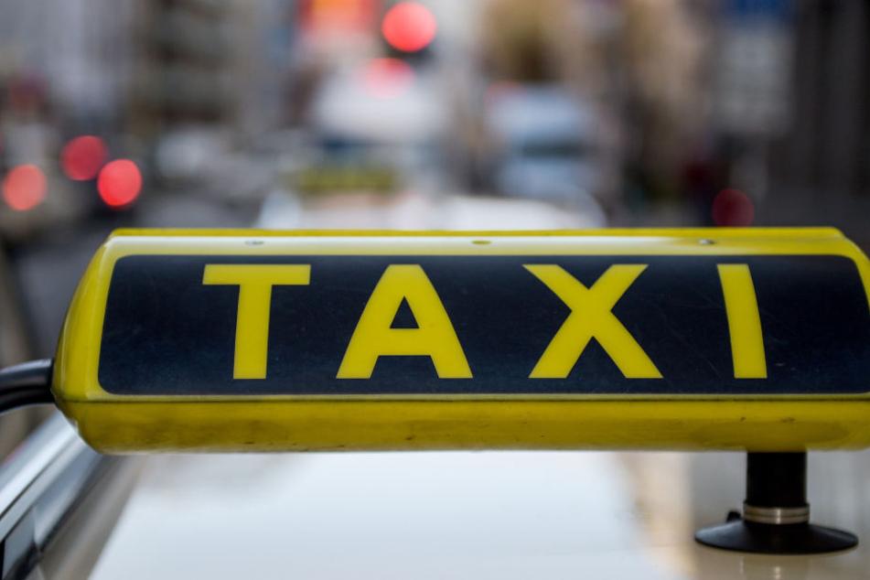 Die Anzahl der Taxi-Unternehmen im Freistaat sinkt - das gab der Verband zu bedenken. (Symbolbild)