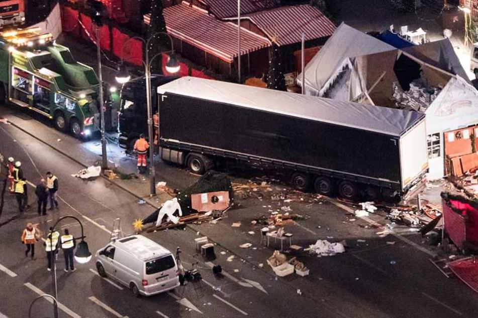 Am 19. Dezember 2016 war der Laster in den Weihnachtsmarkt am Breitscheidplatz gerast. Zwölf Menschen starben bei dem Anschlag.
