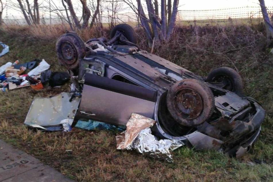 Der 81-jährige Fahrer wurde im Auto eingeklemmt. Er starb wenig später.