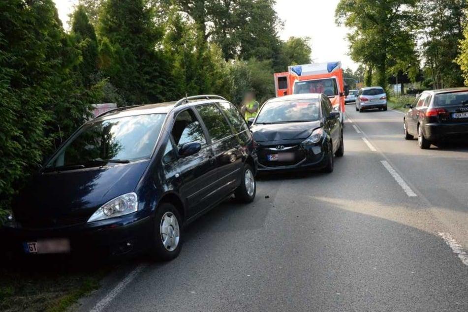 Zwei Rettungswagen rückten zur Unfallstelle aus.
