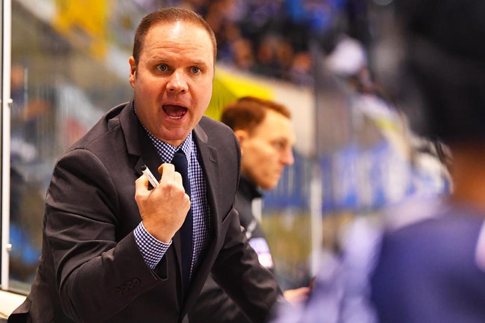 Eislöwen-Coach Bradley Gratton durfte sich über den nächsten Sieg seiner Mannschaft freuen.