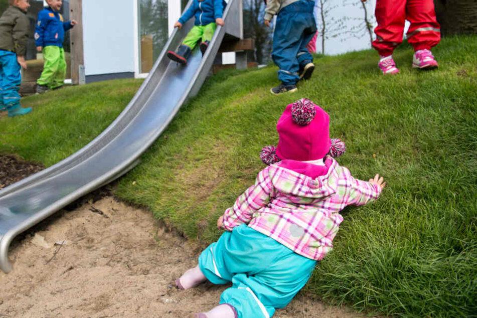 Vor allem Kleinkinder dürfen beim Spielen nicht unbeobachtet sein.