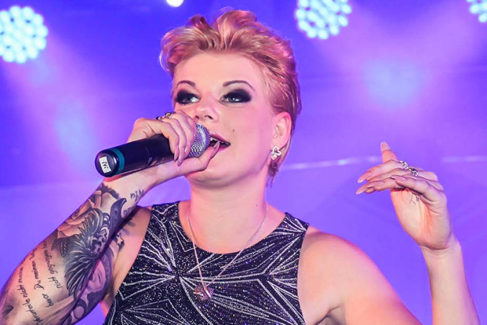 Dschungel-Königin Melanie Müller (28) freut sich auf einen heißen Auftritt in  Oelsnitz.