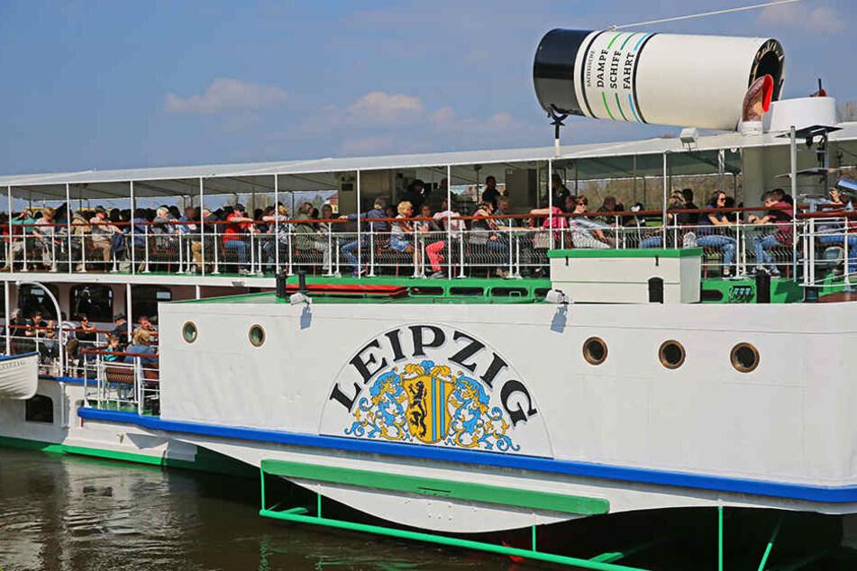 Alle Mann an Bord! Rund 300 Passagiere nahm der Dampfer Leipzig gestern mit  in Richtung Pillnitz.