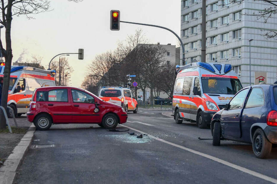 Bei dem Unfall in Magdeburg wurden nach ersten Infos zwei Frauen verletzt.